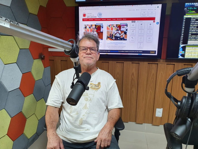 ÁUDIO: Ouvinte conhece bastidores da programação no aniversário da Rádio Câmara