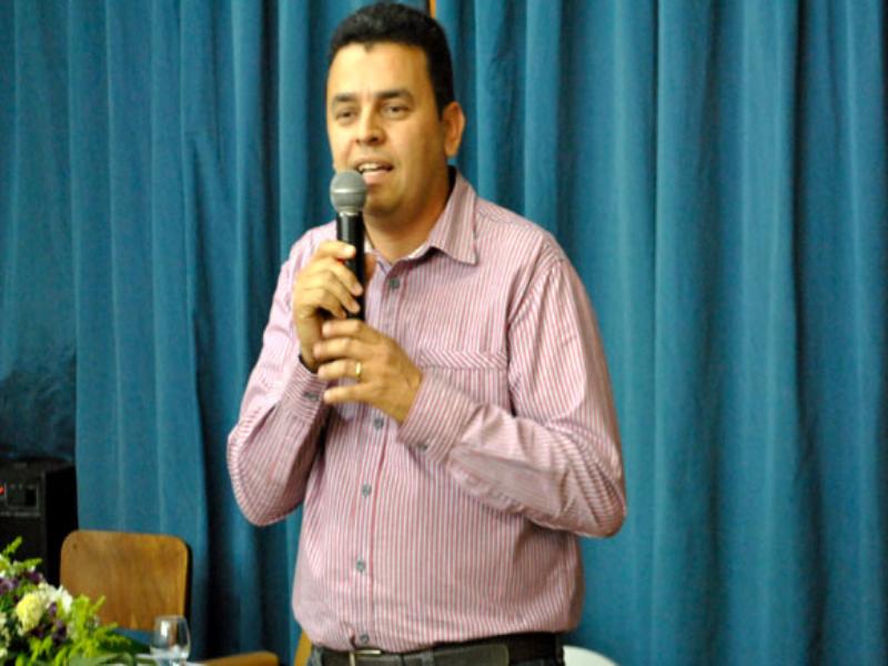 ÁUDIO: Professor e diretor fala sobre desafios da categoria no dia do professor